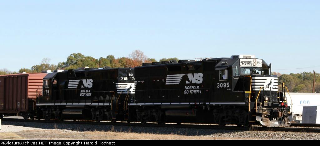 NS 3095 & 718 are power on the Salisbury Switcher job