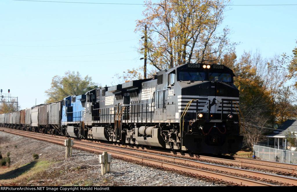 NS 9663 leads a northbound grain train