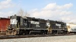 NS 7018 & 7047 push train P92 into the old yard