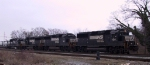 NS 7126 leads an all GP60 lashup on train 213
