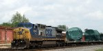 CSX 9041 leads NS train O57 southbound with a CSX unit