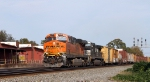 BNSF 6240 leads NS train 337 past the signals at Eleventh Street