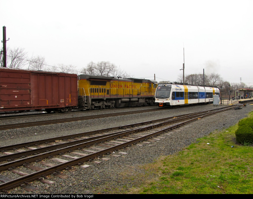 NJT 3507 and UP 9132