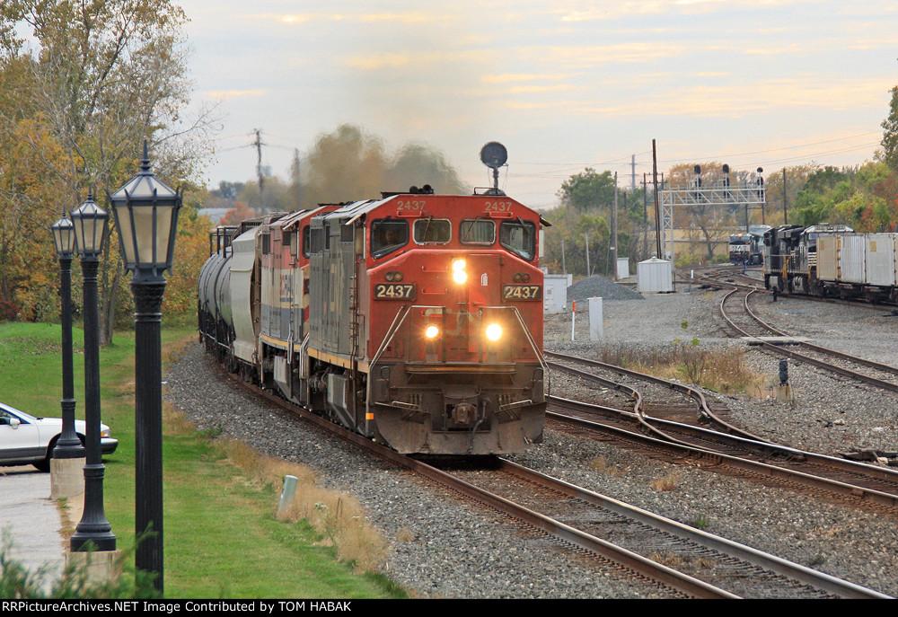 CN 2437 on CSX K684-10