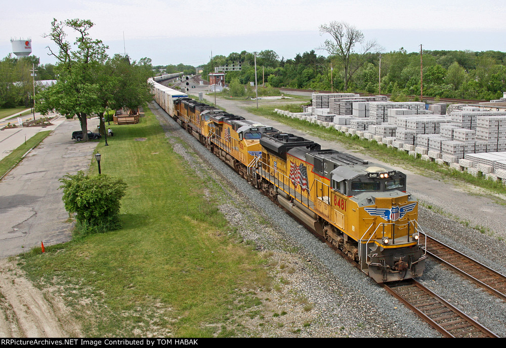 UP 8481 on CSX Q090-15
