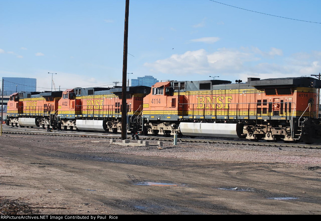 BNSF 5036 4432 & 4114 Backing Into The Yard Ready To Head South