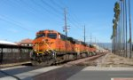 BNSF 7633 on a Doublestack