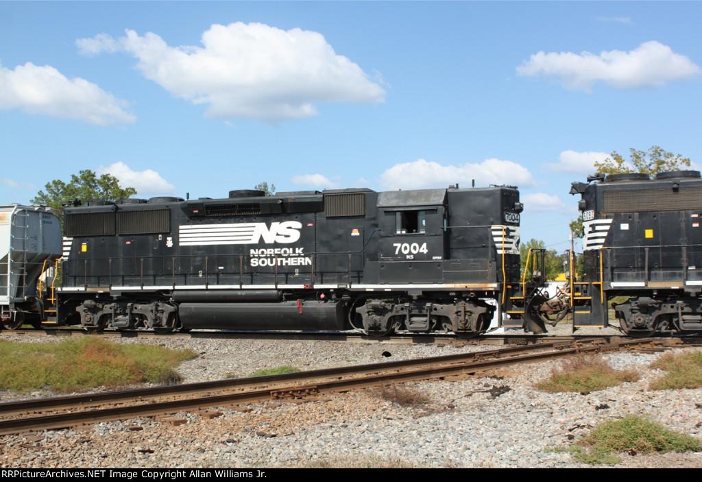 NS 7004