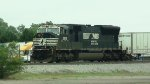 Norfolk Southern SD70M with roadrailers train