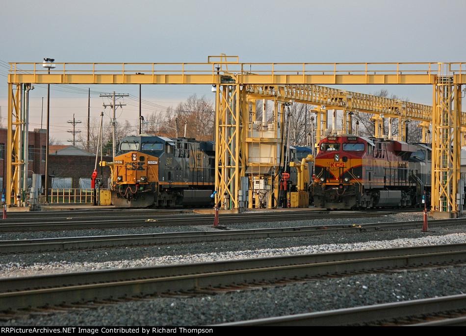 CSX 5247 on CSX Q018-25