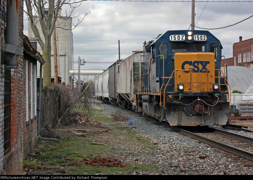 CSX 1502 on CSX C799-09
