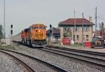 BNSF 8936 on CSX N859-XX