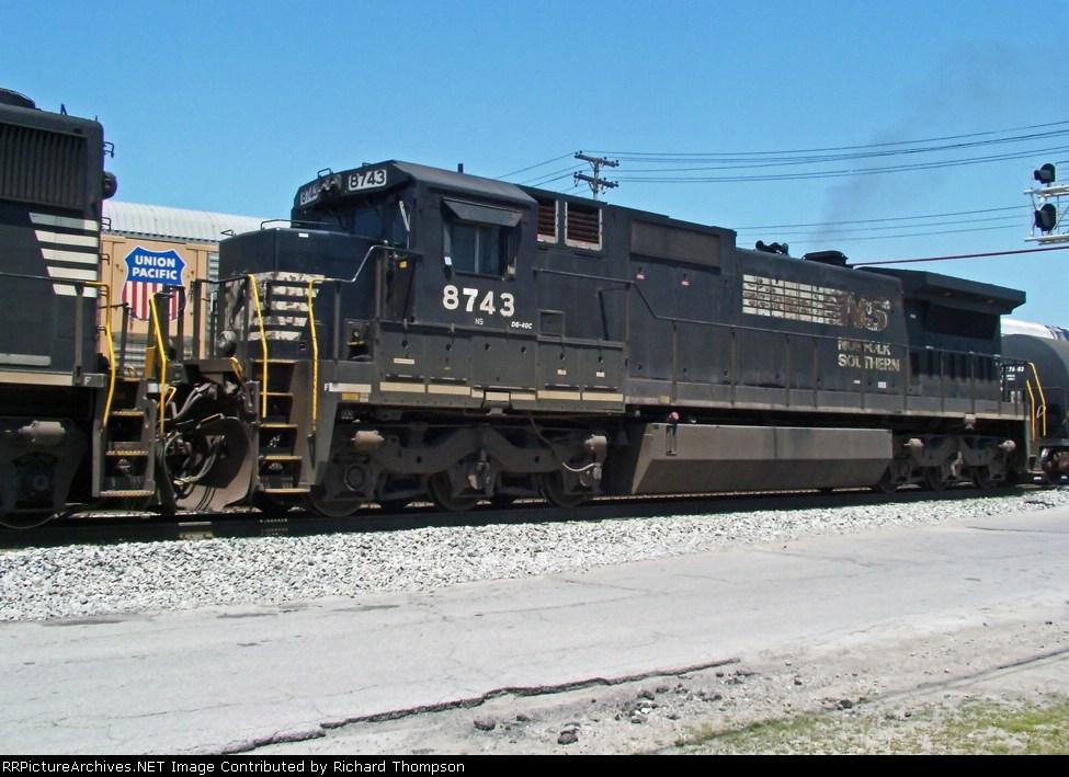 NS 8743