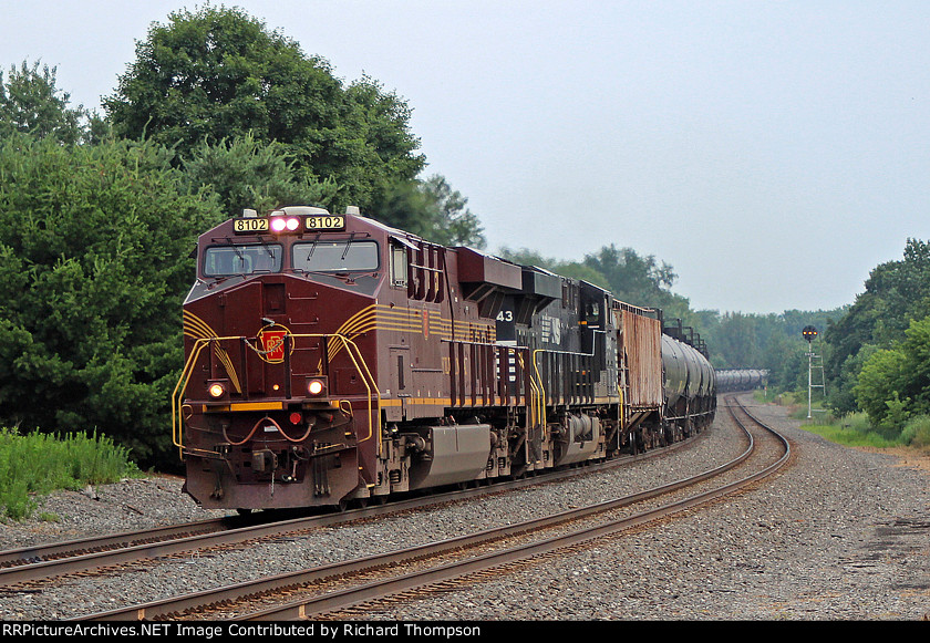 NS 8102 on NS 66W