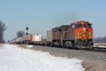 BNSF 5476 on NS 218