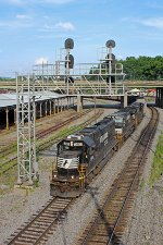NS 2513 on NS 77A