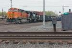 BNSF 4042 on NS 585