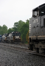 NS 9975 on NS 416 (Engineer Nick Dorsey) & NS 8697 on NS 145