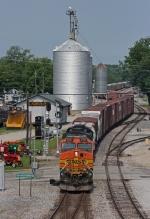 BNSF 4997 on NS 178