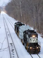 NS 5324 H76 H&W and Locomotive Shuttle