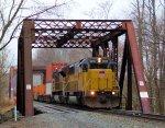 HLCX 5957 & UP 8639 on NS 22V