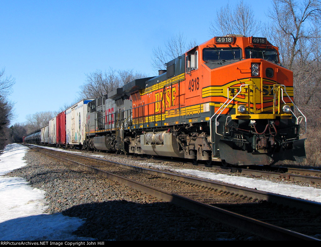 110218001 Eastbound BNSF freight waits in the siding