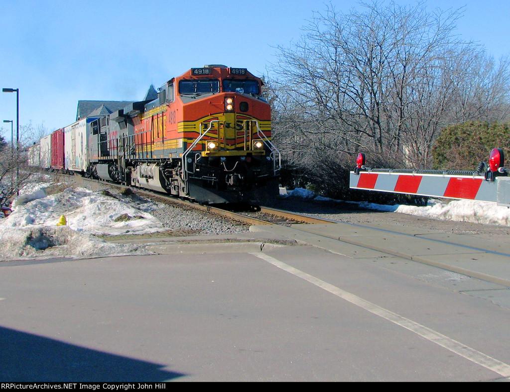 110218011 Eastbound BNSF freight