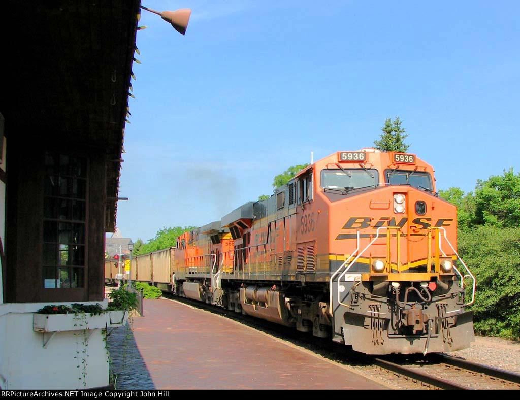 110718024 Eastbound BNSF Coal Train (COLX) Passes Wayzata Depot