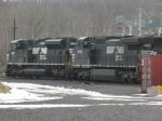 Norfolk Southern 8429 and 2667