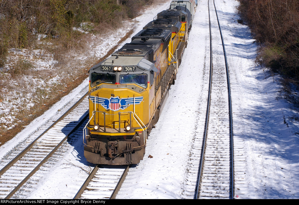 UP 5067 pounds up Wilson Alley grade in the snow