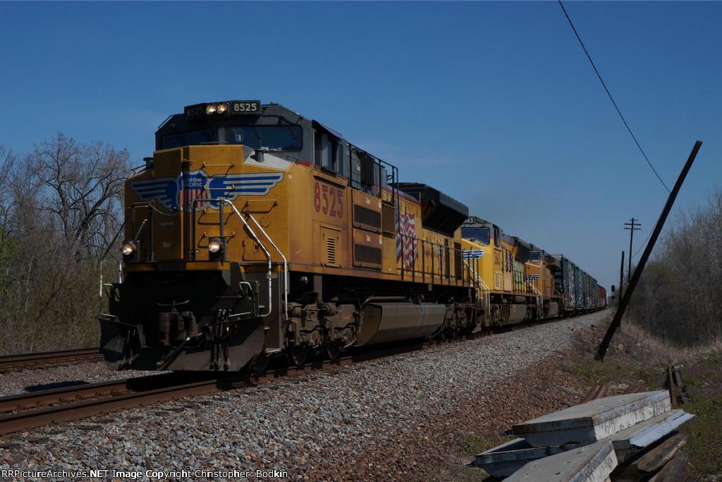 UP 8525