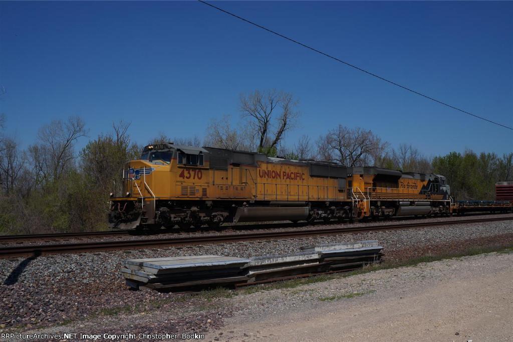 UP 4370