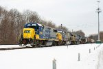 CSX 2805 on Q-439