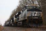 NS 13G northbound train
