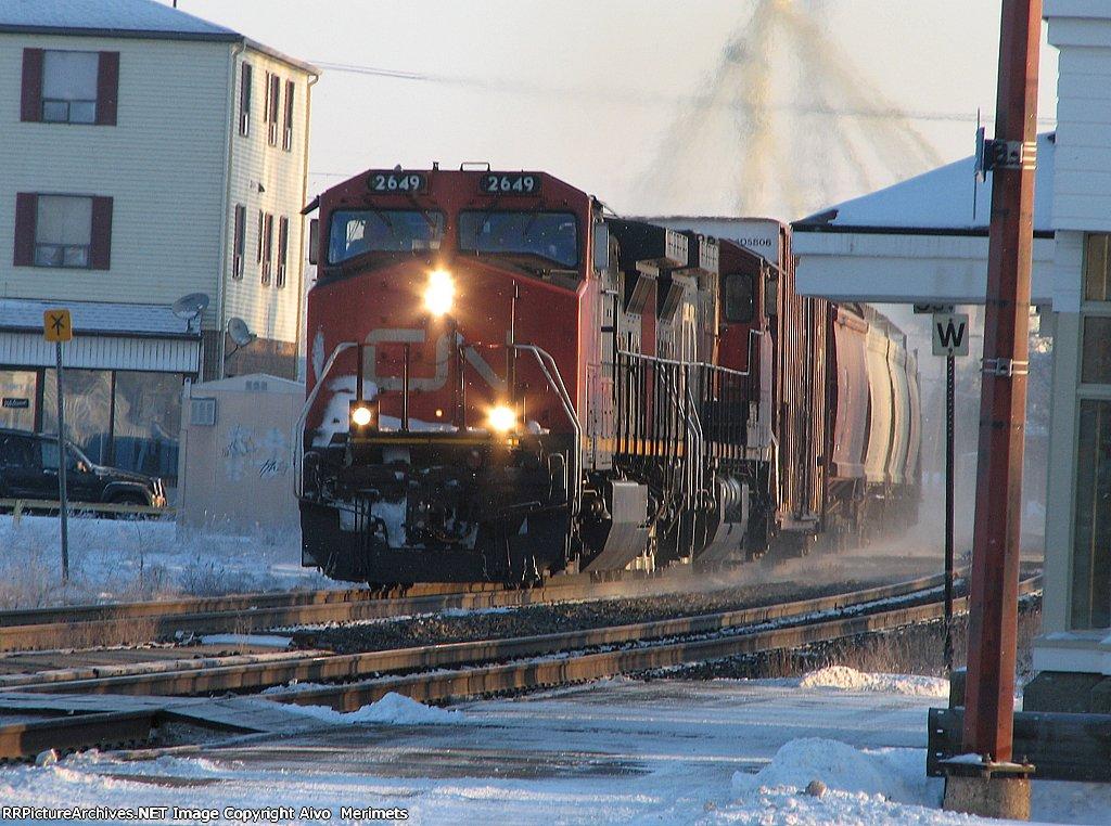 CN 2649 at Ingersoll.