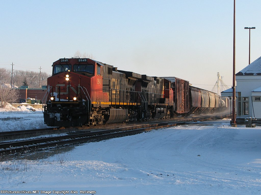 CN 2649 at Ingersoll.