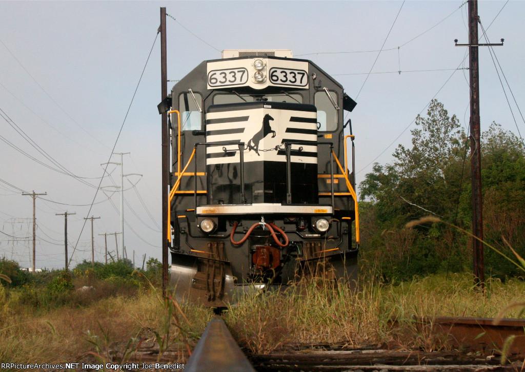 NS 6337 on Herzog ballast train