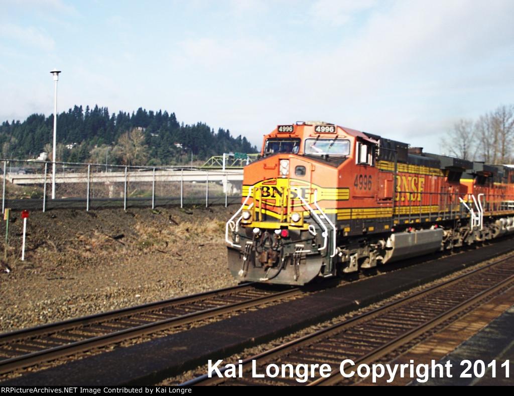 BNSF 4996