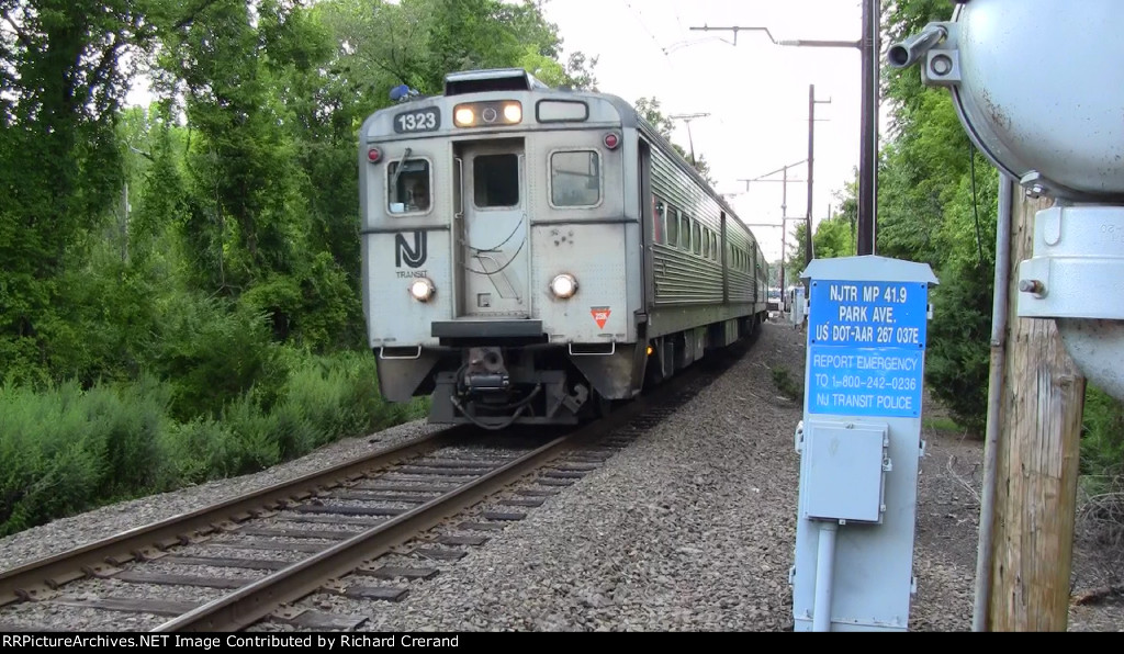 Train 730 Passing Park Avenue