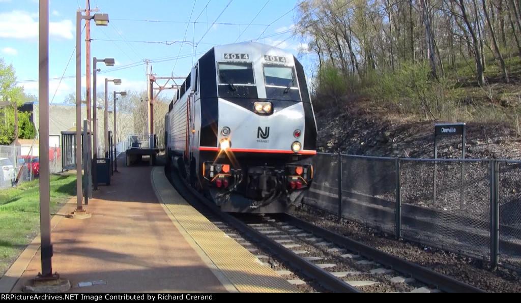 Train 853