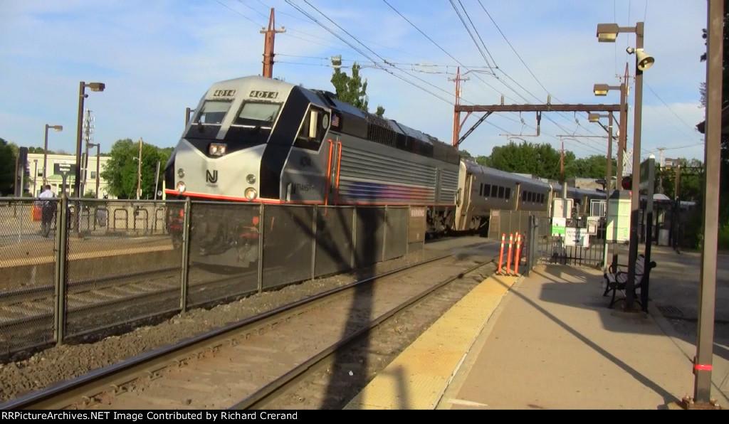 PL42AC 4014 Pulling Train 807