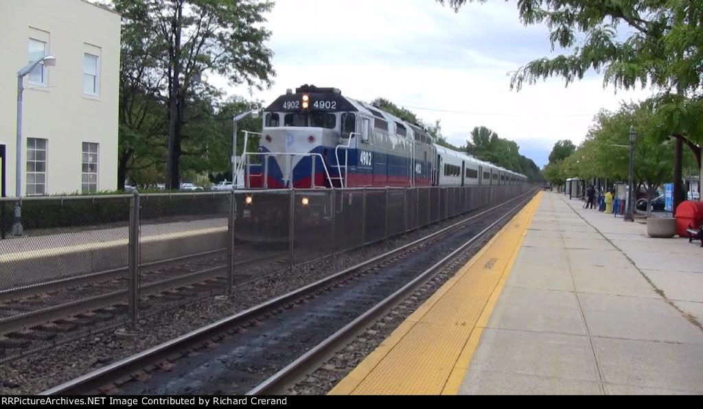 Train 49 Pulling In