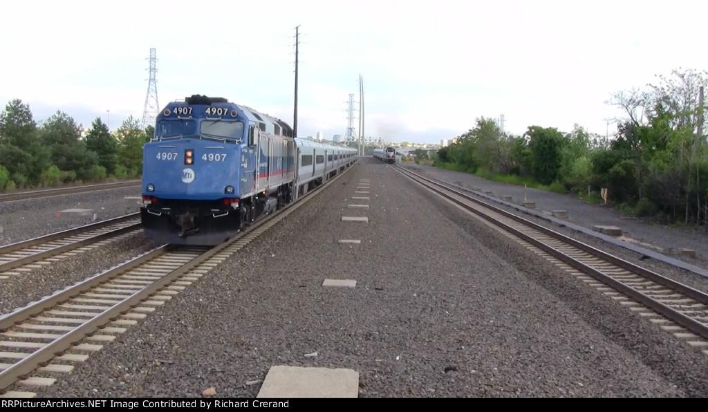 Train 53 Pulling In