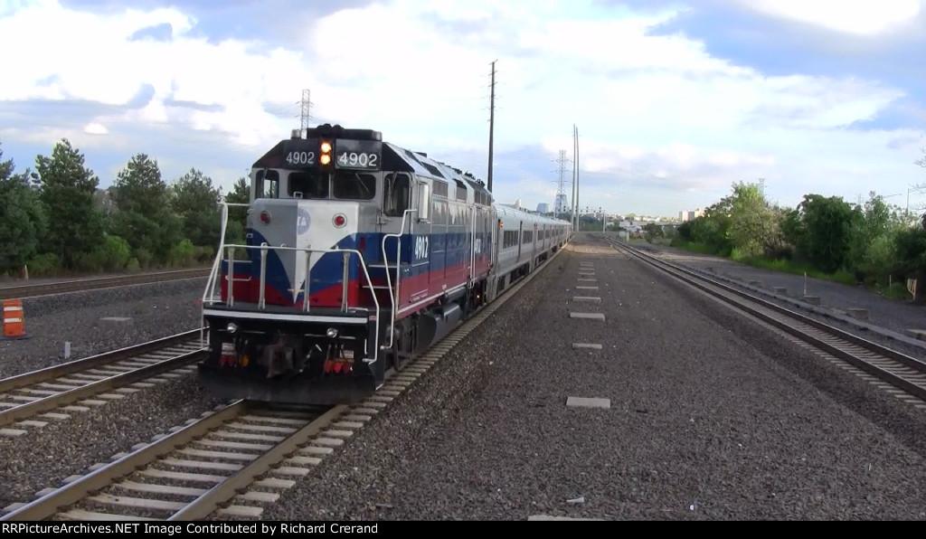 GP40FH-2 4902 on Train 57