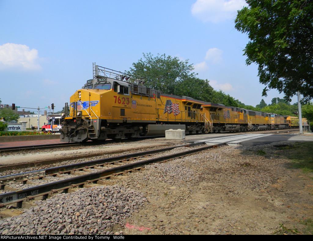 UP 7623 Leads UP Train MASNP