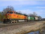 BNSF 4589 Leads a Southbound