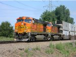 BNSF 5119 Leads a Eastbound Z Train