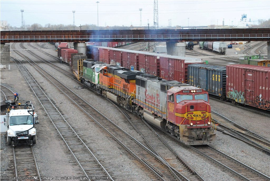 Warbonnet in the Lead