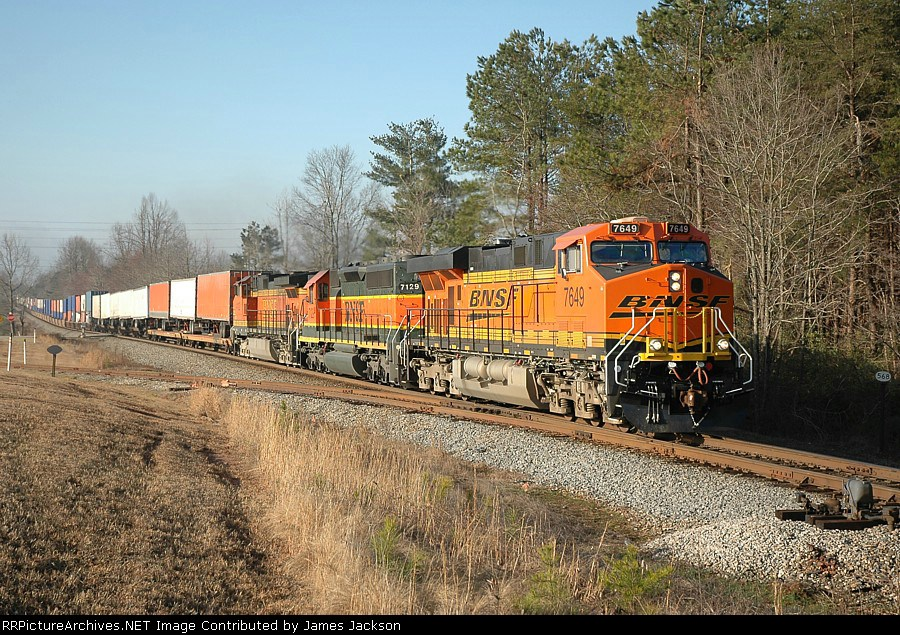 212 BNSF 7649