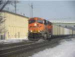 417 heads west with BNSF power